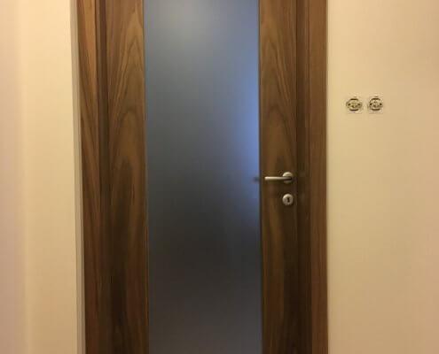 Vrata s steklom